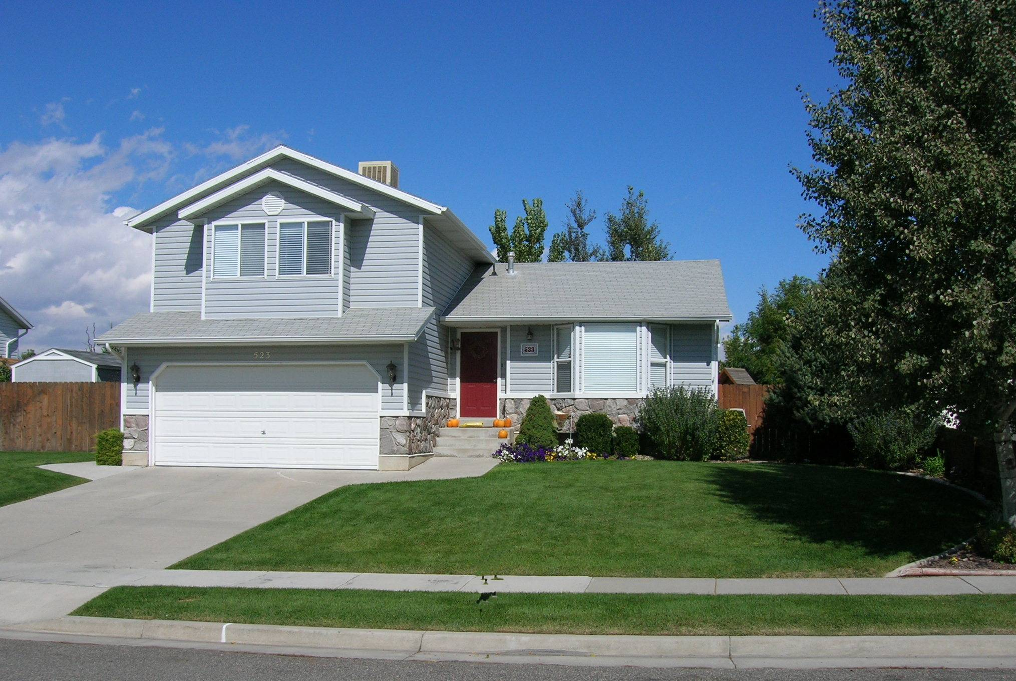 beautiful sandy utah home for rent available 3 15 09